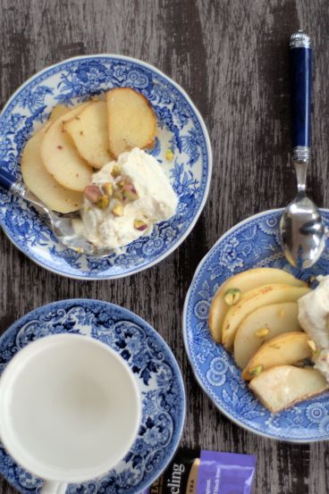 Sauteed Pears with Mascarpone Cream